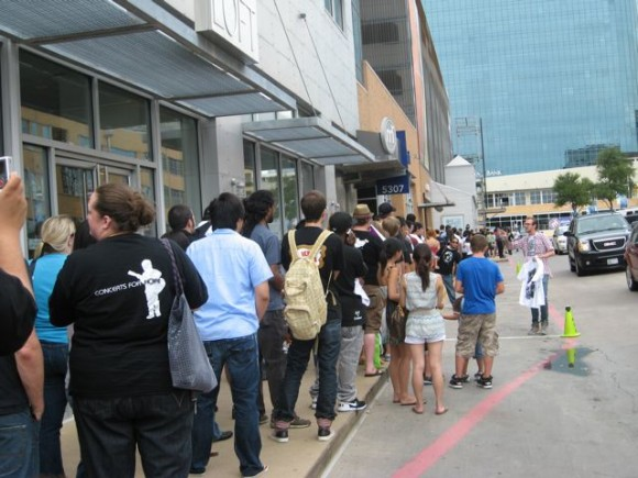 Kidrobot Dallas Grand Opening Line