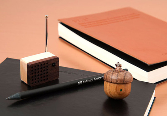 Motz tiny radio