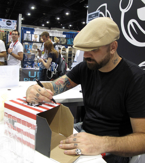 huck-signing-1