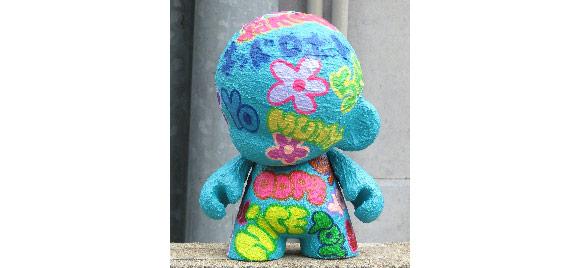Kidrobot-Japan-Munny-3