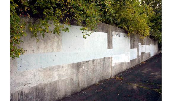 grey-graffiti-2