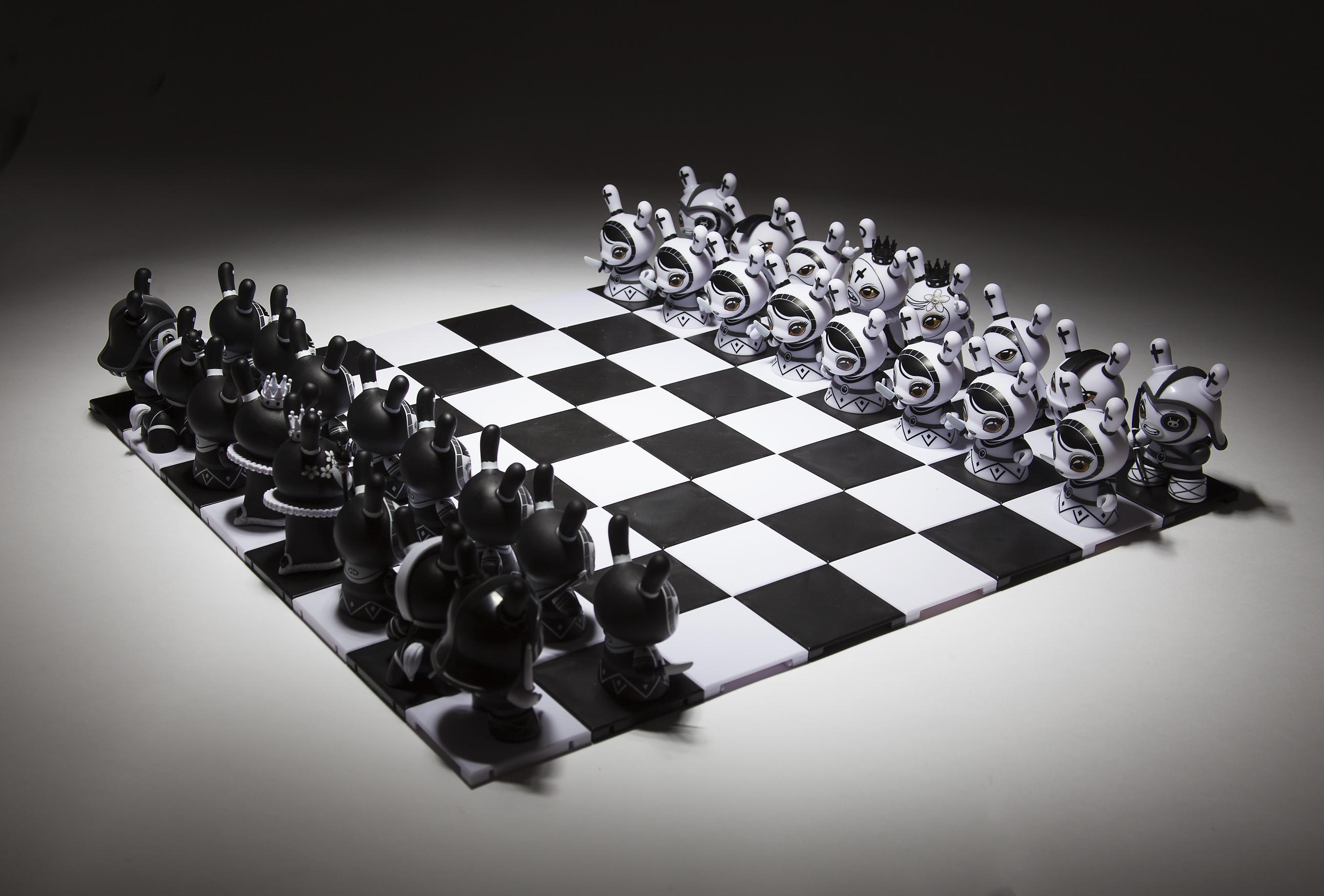 Kidrobot Shah Mat Chess Series with Pawn Otto Bjornik Rook White